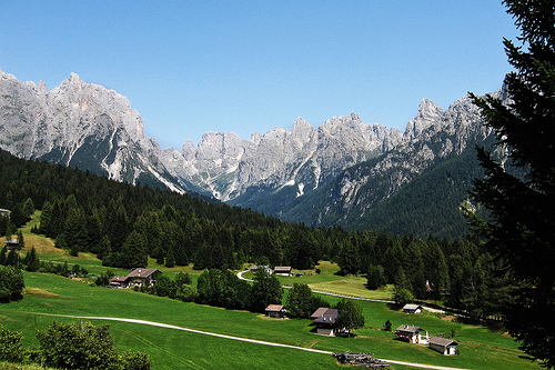 San Martino di Castrozza, sciare e scoprire i segreti del posto